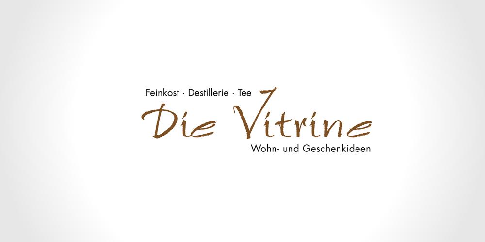 Monatsgewinnspiel Dezember: Zwei Tee-Sets von der Vitrine